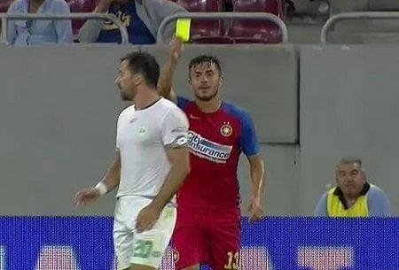 فيديو: لاعب روماني يُشهر البطاقة الصفراء في وجه منافسه