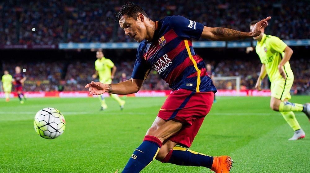 أدريانو يرحل عن برشلونة في نهاية الموسم الا اذا !