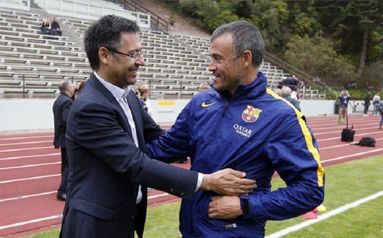 انريكي و رئيس برشلونة بارتوميو