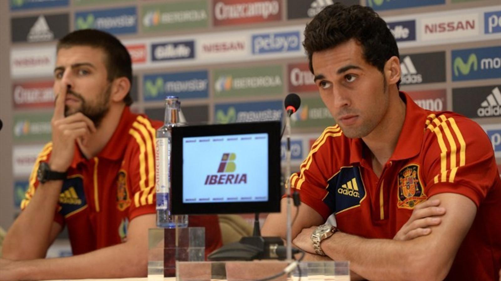 أربيلوا يرد بذكاء على سخرية بيكيه من ريال مدريد