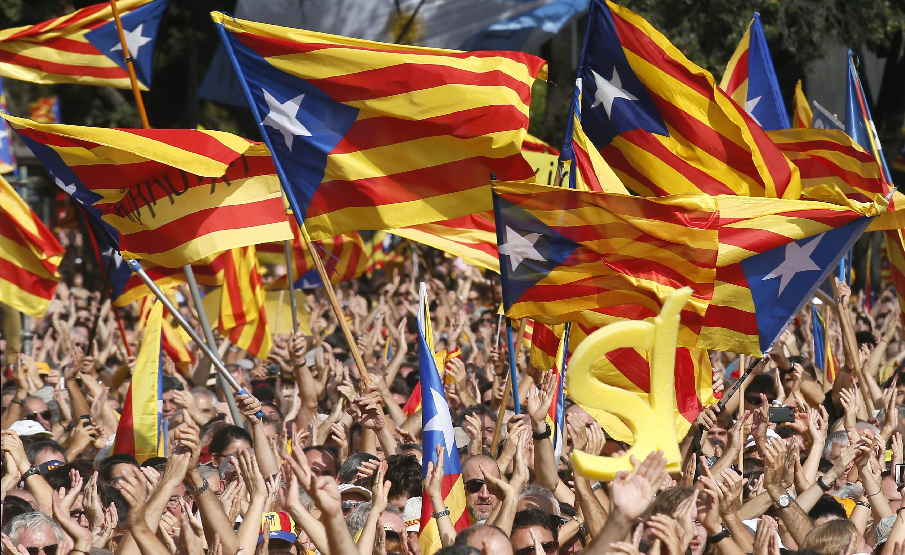 رابطة مشجعي برشلونة تلجأ للقضاء