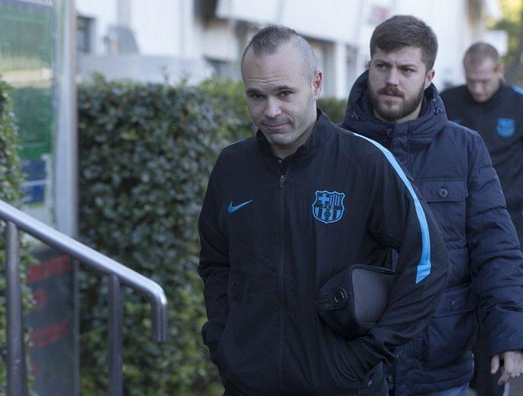 برشلونة يعلن عن مدة غياب قائد الفريق اندريس انييستا