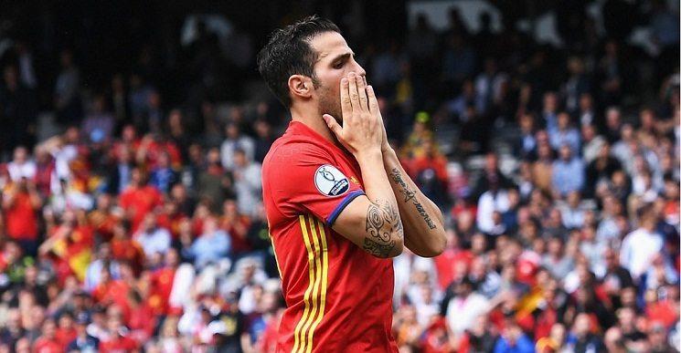 9 6 - رد فعل لاعبي برشلونة على فكرة التعاقد مع نوليتو