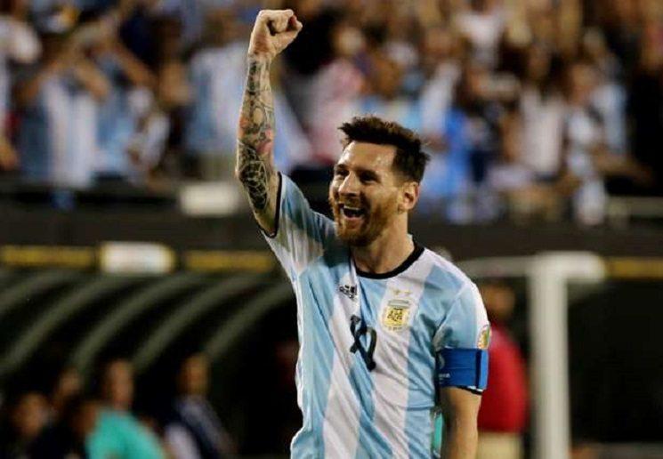 lionel messi argentina panama copa america 10062016 3sb6q9b2tdgx1ef2pqlwof3y9 1 - مدافع ايفرتون يطالب ميسي بإتخاذ هذا القرار