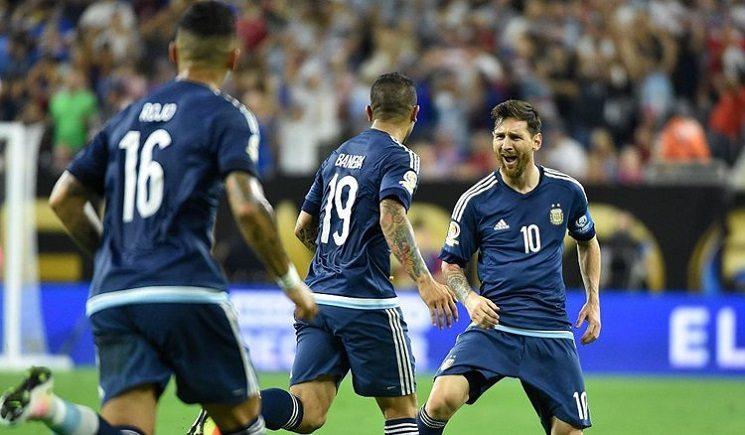 messi argentina players - ميسي يتمنى العمل مع هذا المدرب