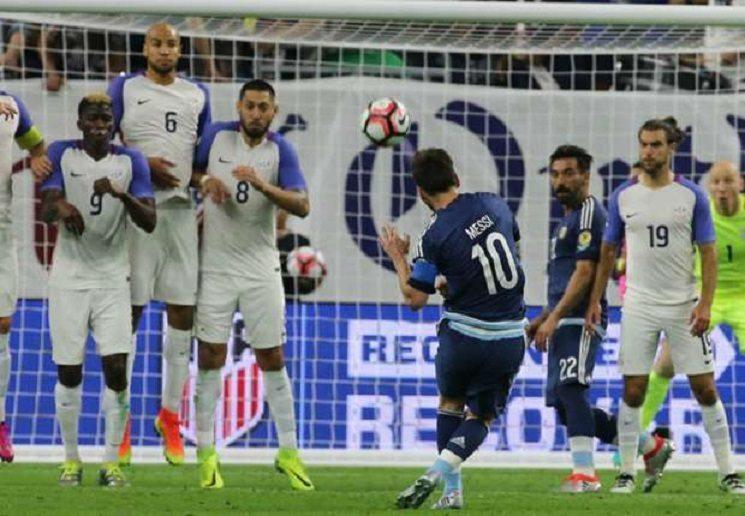 lionel messi united states argentina semifinal copa america centenario 21062016 1w7sq2rchjuwp1845lqkim8x6g - ريال مدريد يعيش مأساة ميسي