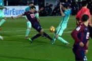 برشلونة يفقد نجمه لمدة شهر للإصابة