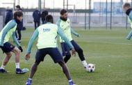 بالصور: كواليس تدريبات برشلونة اليوم الاثنين بعد التعادل أمام فياريال