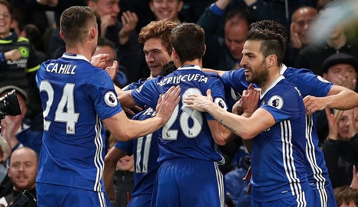 Chelsea Celebrating 1 - سبورت: لاعب تشيلسي يعود لمفكرة برشلونة
