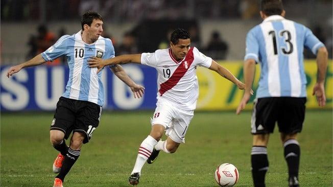 و بيرو - توقيت والقنوات الناقلة لمباراة الارجنتين و بيرو