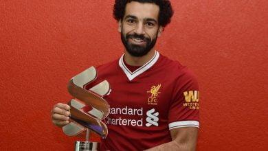 محمد صلاح يتسلم جائزة أفضل لاعب في الشهر مع ليفربول