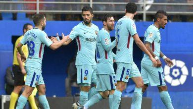 ميسي مع لاعبي برشلونة