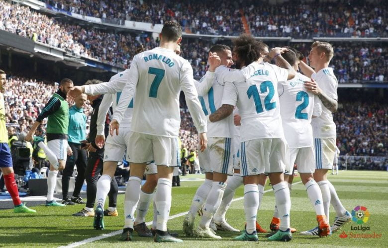 احتفال لاعبي ريال مدريد بهدف رونالدو