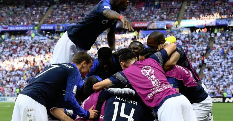 احتفال لاعبي فرنسا