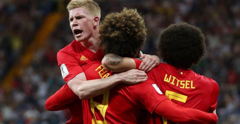 دي بروين مع لاعبي بلجيكا