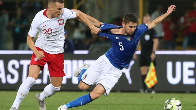 لقطة من مباراة ايطاليا و بولندا