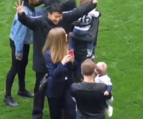 صورة شاهد ماذا فعل سون هيونغ مين مع أبناء لاعبي توتنهام بعد مباراة أيفرتون