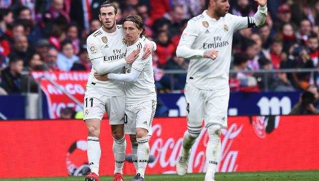 Photo of نجم ريال مدريد يؤجل قرار الرحيل