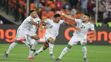 صورة بالصور  لافتة رائعة من منتخب الجزائر مع لاعبي السنغال