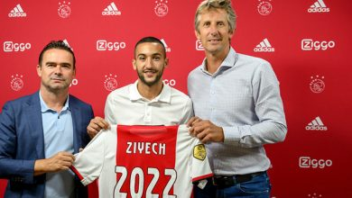 حكيم زياش يمدد عقده مع أياكس حتى 2022
