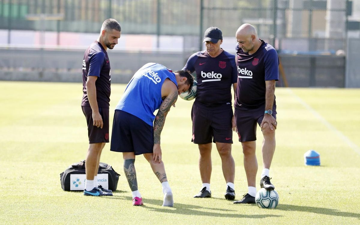 برشلونة يوضح إصابة ميسي في بيان