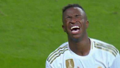 صورة فينسيوس يسجل هدف عالمي لريال مدريد أمام أوساسونا ويبكي