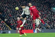 Photo of أسطورة مانشستر يونايتد يسخر من ليفربول رغم الفوز بثنائية