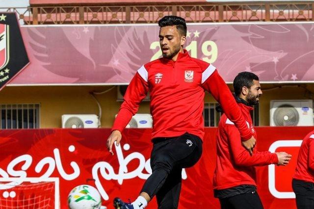 Photo of رسميا | الأهلي يعير صلاح محسن إلى سموحة