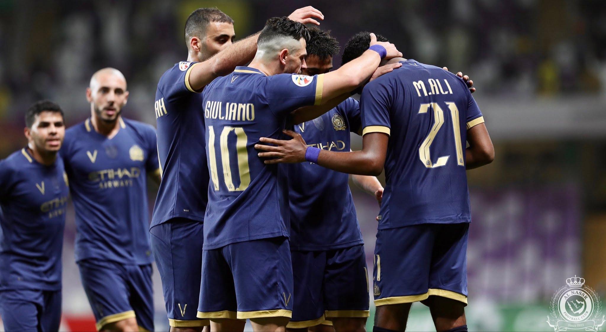 احتفال النصر بعد الفوز على العين الإماراتي