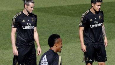 Photo of نجم ريال مدريد يعتذر لرئيس النادي ويتمسك بالبقاء في الفريق