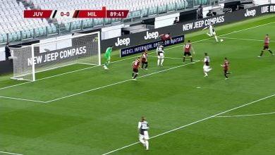 Photo of مهارة رائعة من كريستيانو رونالدو أمام لاعب ميلان في نصف نهائي كأس إيطاليا