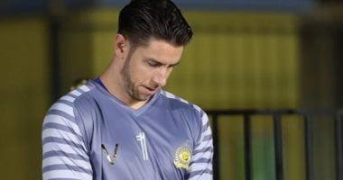 Photo of حارس النصر يرفض النزول إلى التدريبات قبل حسم مصيره