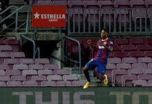 صورة خلاف بين برشلونة ووكيل أنسو فاتي بسبب بند في عقده