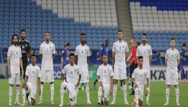 صورة الأهلي السعودي يوقع عقوداً إحترافية مع ستة لاعبين
