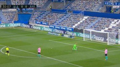 هدف ألافيس الاول في مرمى برشلونة 1-0 تعليق رؤوف خليف