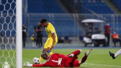 لقطة من مباراة الشباب والنصر