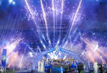 لاعبي الهلال يرفعون لقب الدوري السعودي
