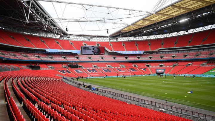 هل وجود فريقين إنجليزيين في نهائي التشامبيونزليج سيُغير مكان النهائي؟