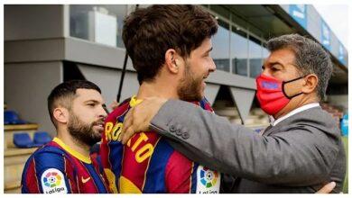 خوان لابورتا ولاعبي برشلونة