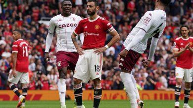 صورة.. حارس استون فيلا ينجح في استفزاز ثنائي مانشستر يونايتد