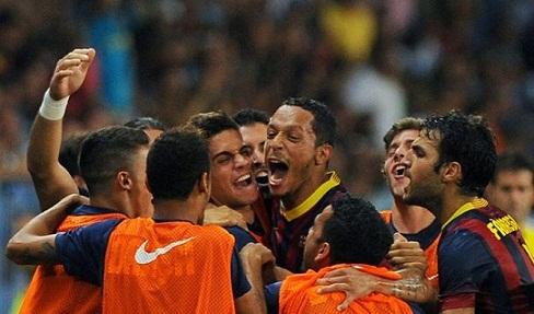 لاعب برشلونة يقترب من تجديد عقدة