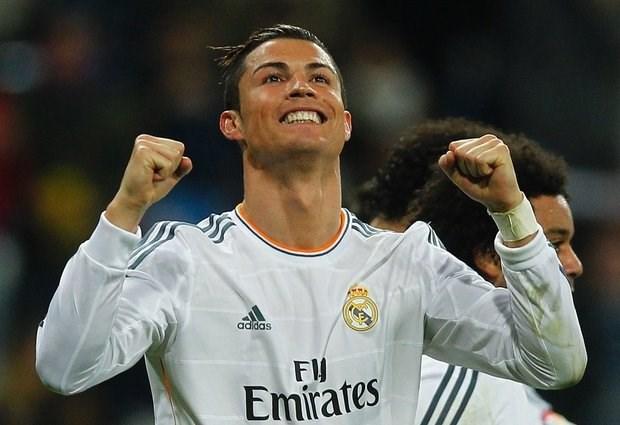 Photo of ريال مدريد يرفض عرض من باريس لضم رونالدو